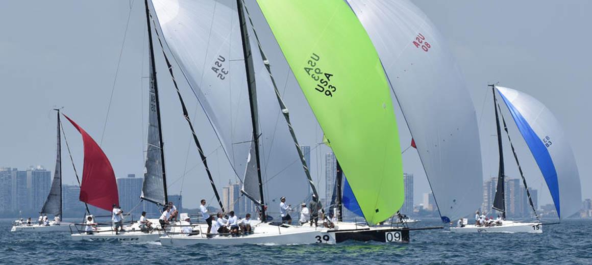 J88_fleet_downwind